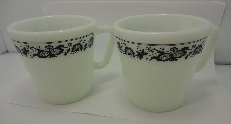 Vintage 2 Pyrex Corelle Old Town Blue Onion Coffee Mugs D Handle Corning