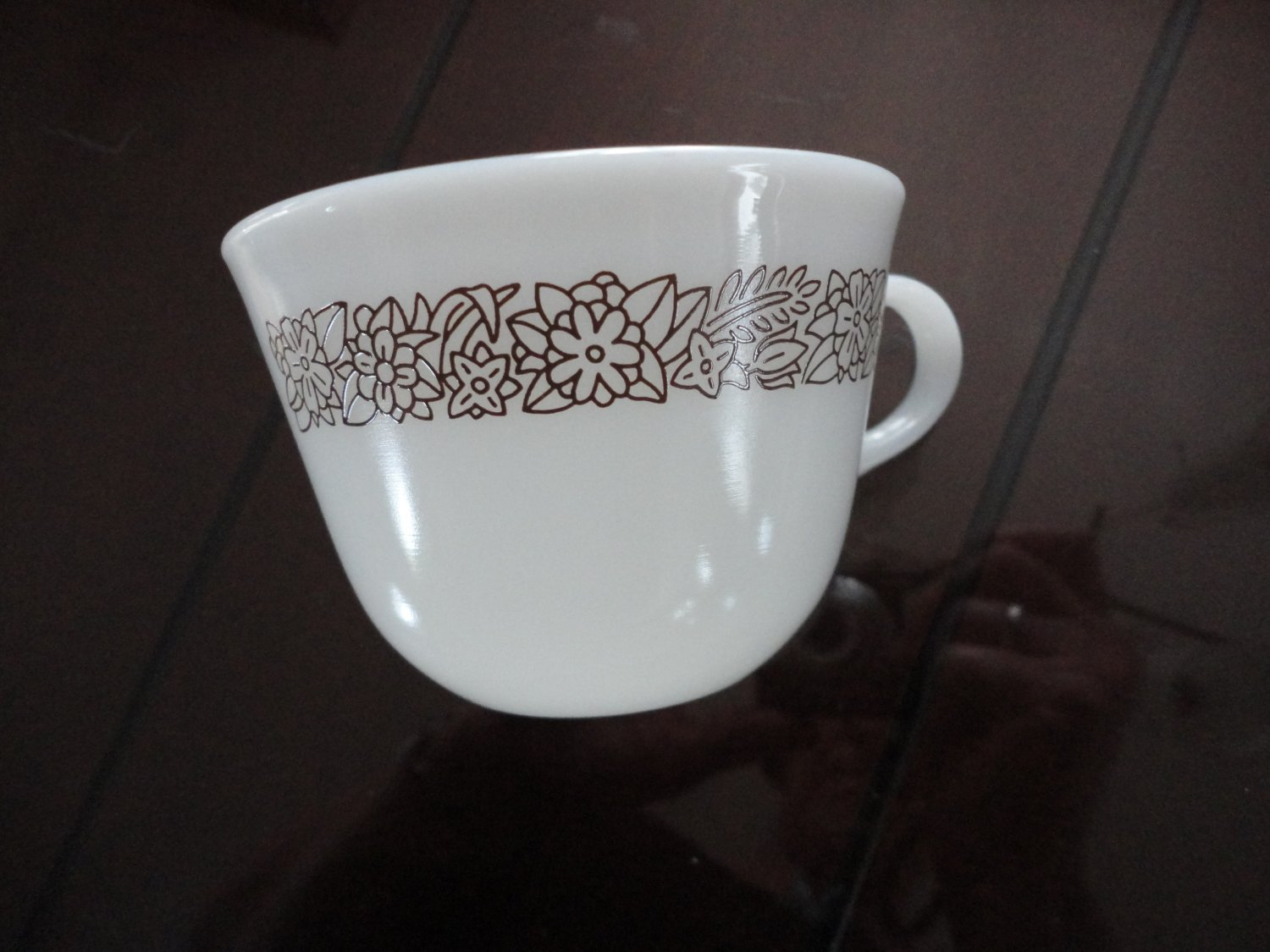 Vintage White Pyrex Cup Flower & Leaves Design