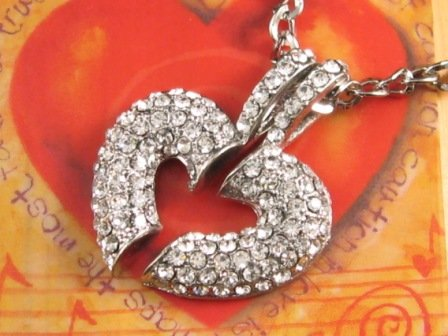 SN129 Elegant Crystal Silver Integrated Heart Pendant Necklace Best Gift Idea