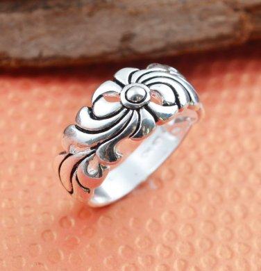 BNWOT ~ Unisex Stainless Steel Flower Ring, Multiple Sizes