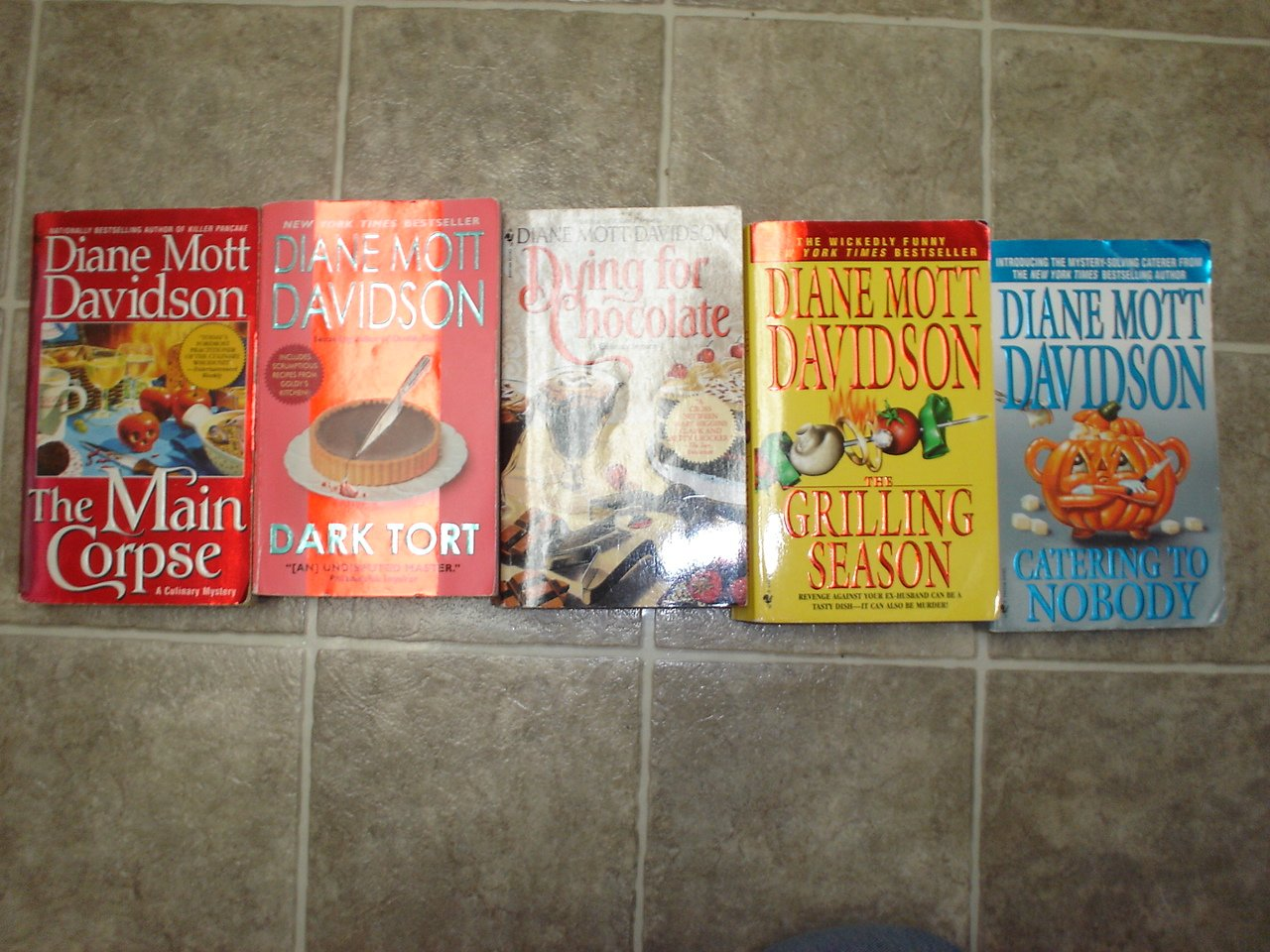 Diane Mott Davidson lot of 5 pb mystery novels books cozy culinary Goldie Schulz