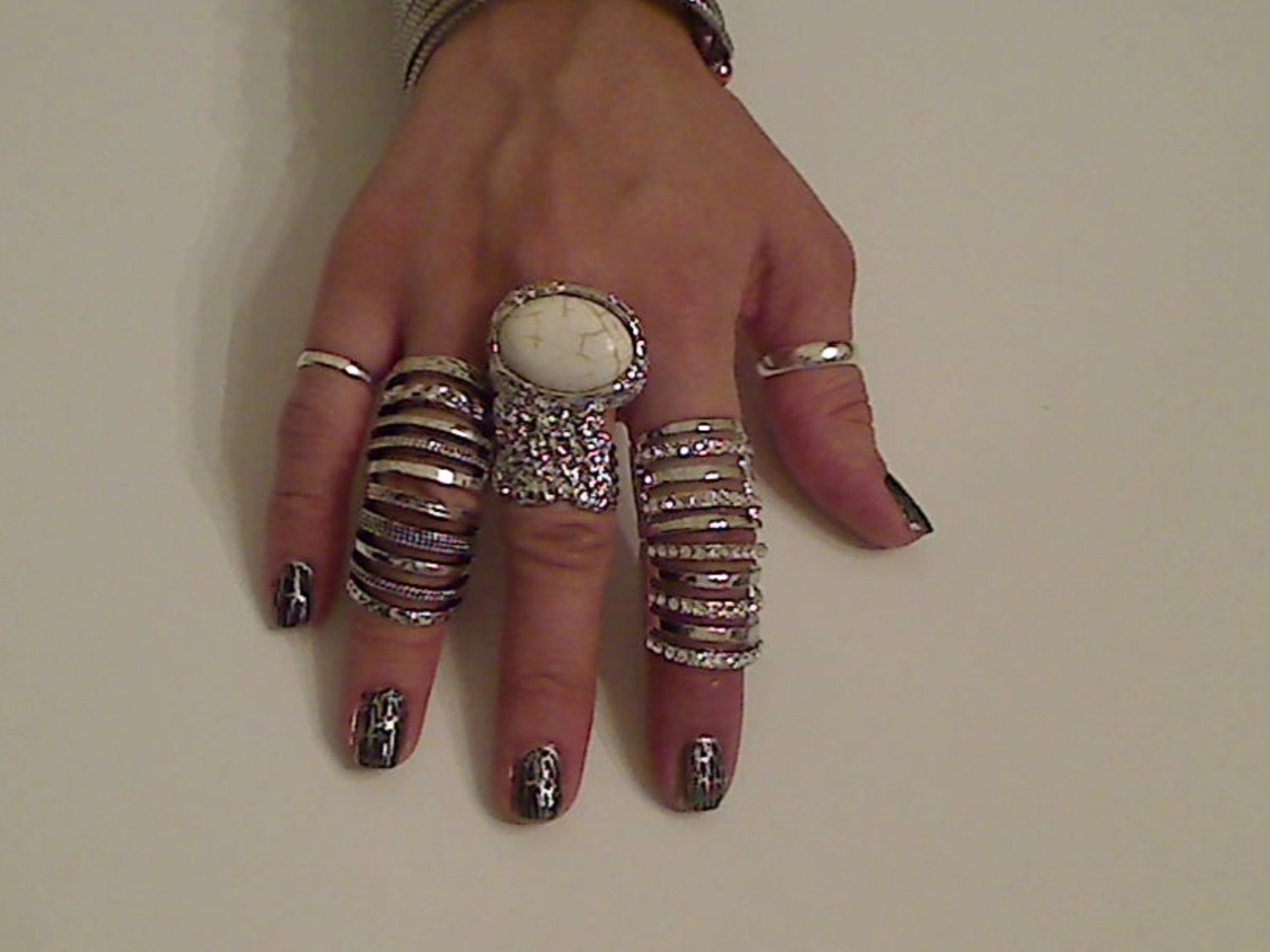 CREAM ARTY CHUNKY MOON KNUCKLE RING IN SILVER SIZES *6*7*8*9