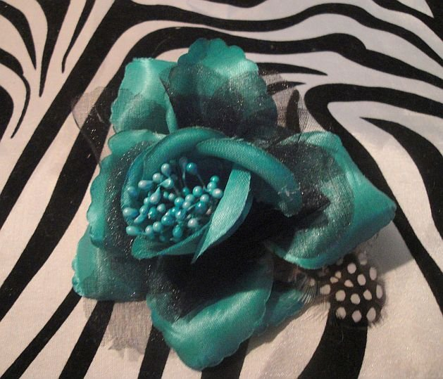 Green Rose Clip With Hair Tie