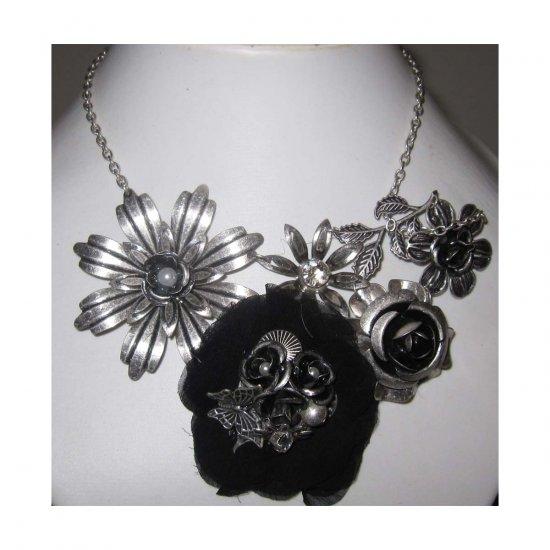 SOLD - Stylish Trendy Fashion statement flower necklace - free sh