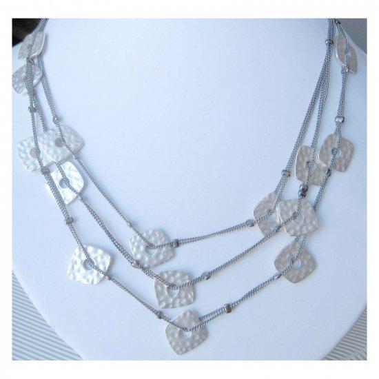 Fashion must have necklace matt silvertone