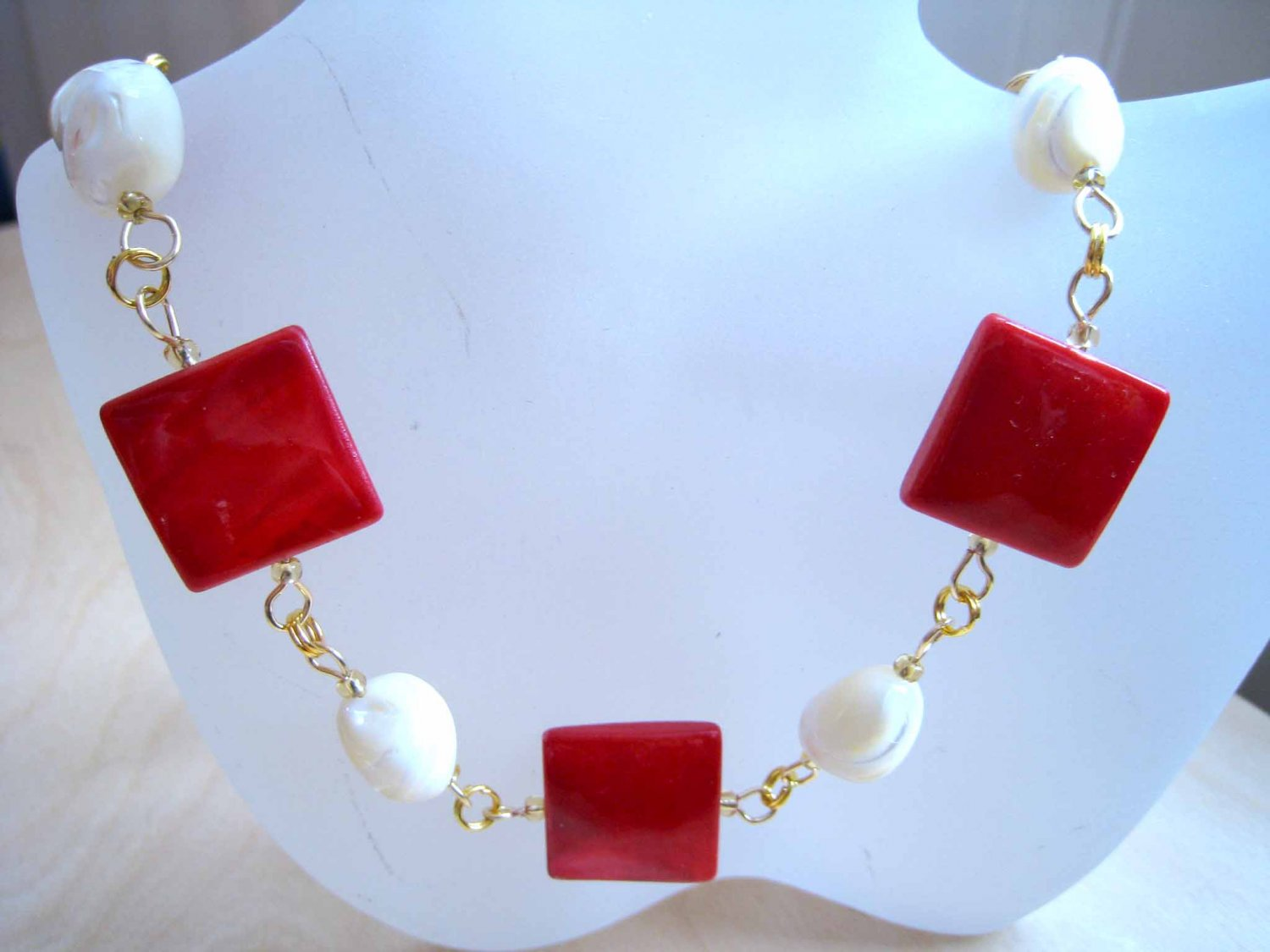 Red and white mother of pearl linked trendy yet timeless fashion necklace