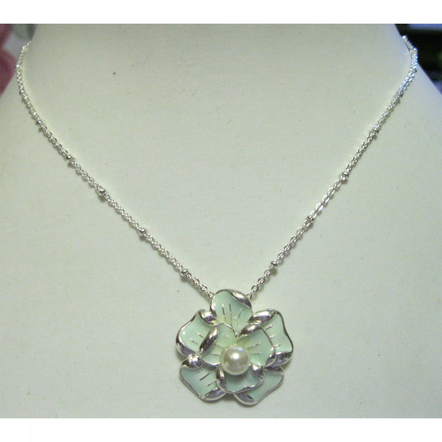 on SALE!! Blue flower pendant with pearl center trendy fashion necklace{1705N}
