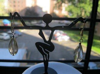 Gold glass drop fashion earrings