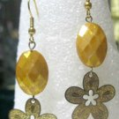 Gold flower drop fashion earrings