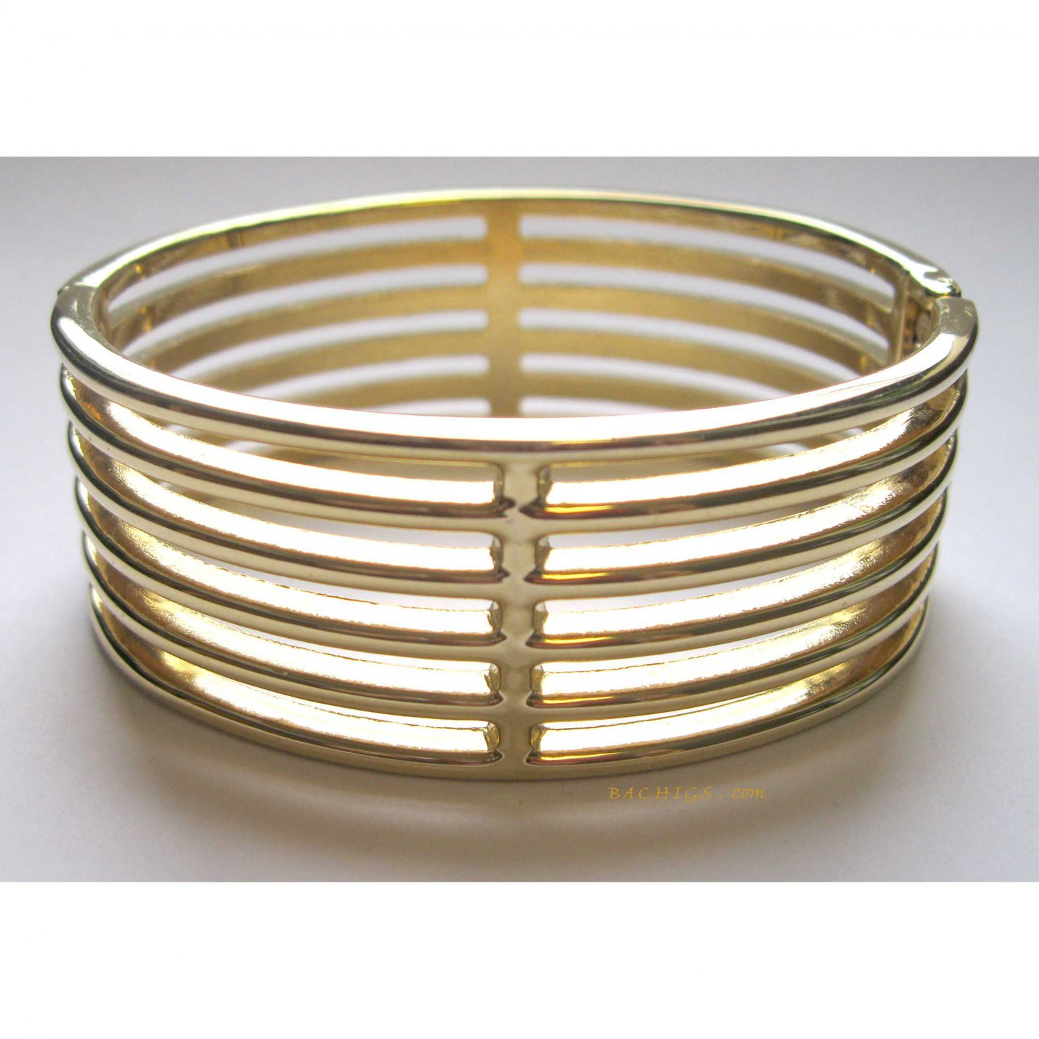 Fashion gold bangle