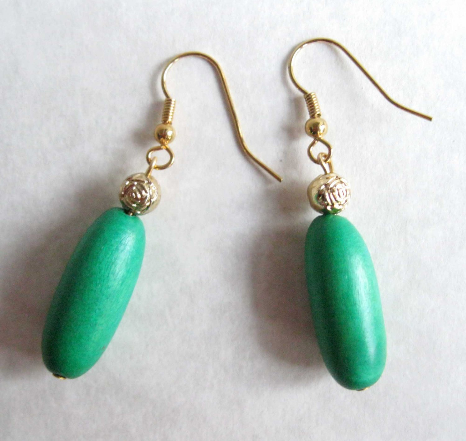 Green wood with gold flower fashion drop earrings