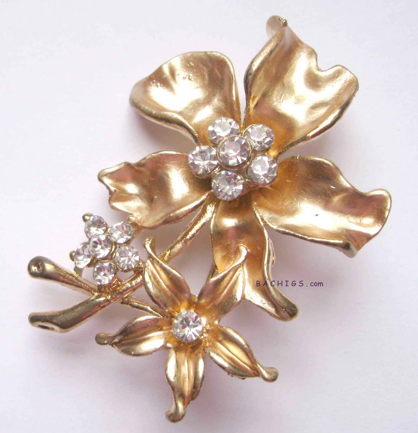 Fashion gold flower pin with crystals
