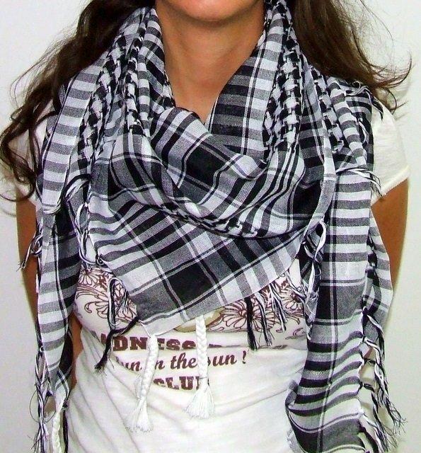 Plaid Check Scarf Black and White Arafat