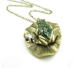 Retro frogs, Lotus leaf, long necklace