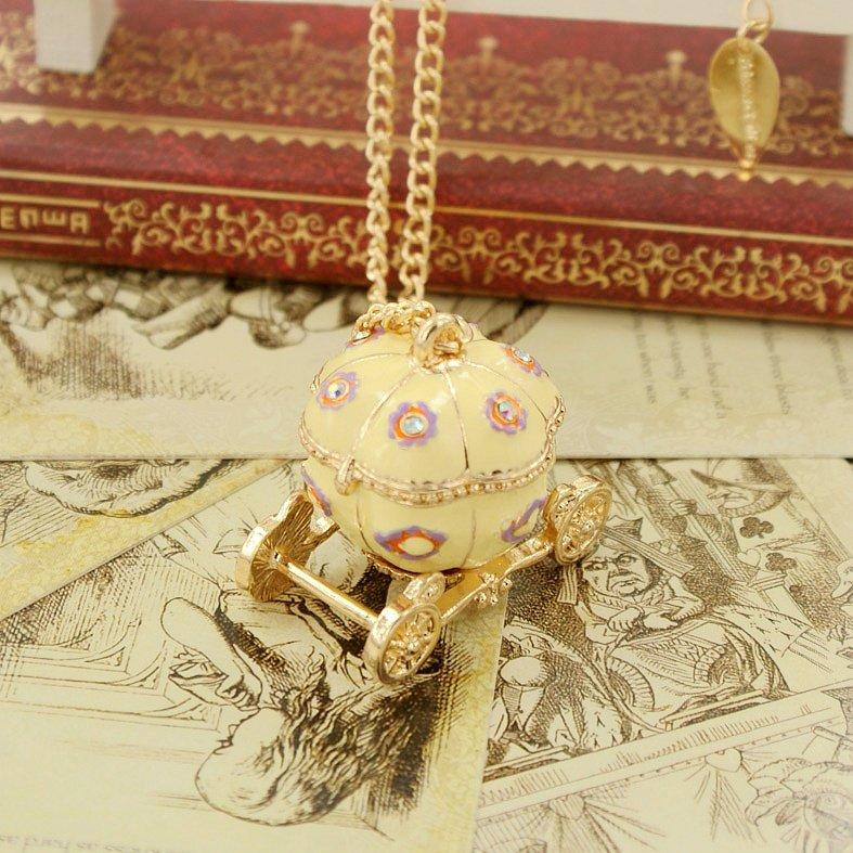Cinderella's pumpkin car necklace BZ182