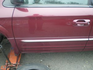 2003  Chrysler Town And Country driver door