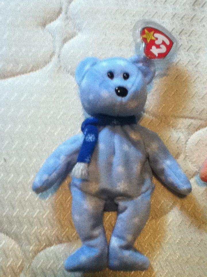 TY Beanie Baby 1999 Holiday Teddy