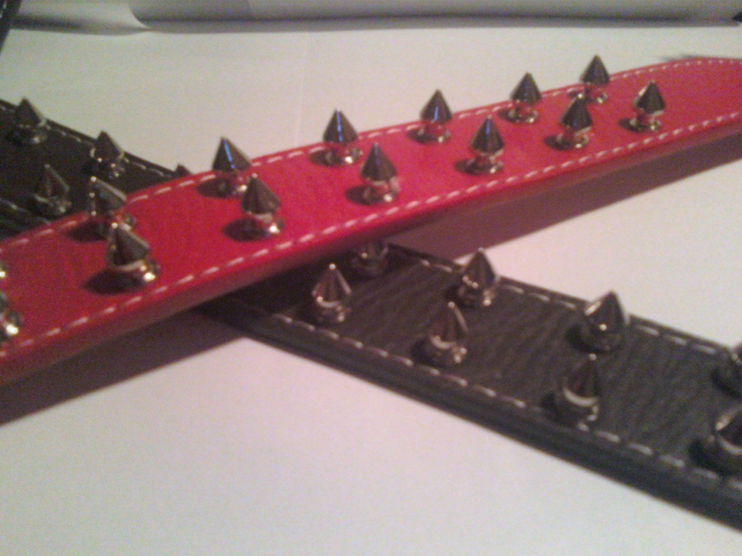 Large Dog Spike Collar (24 inches, Red)