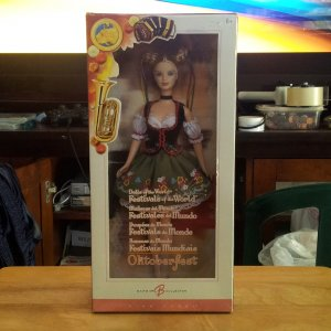 Barbie Pink Label Oktoberfest Dolls of the World Festivals of the World Edition New