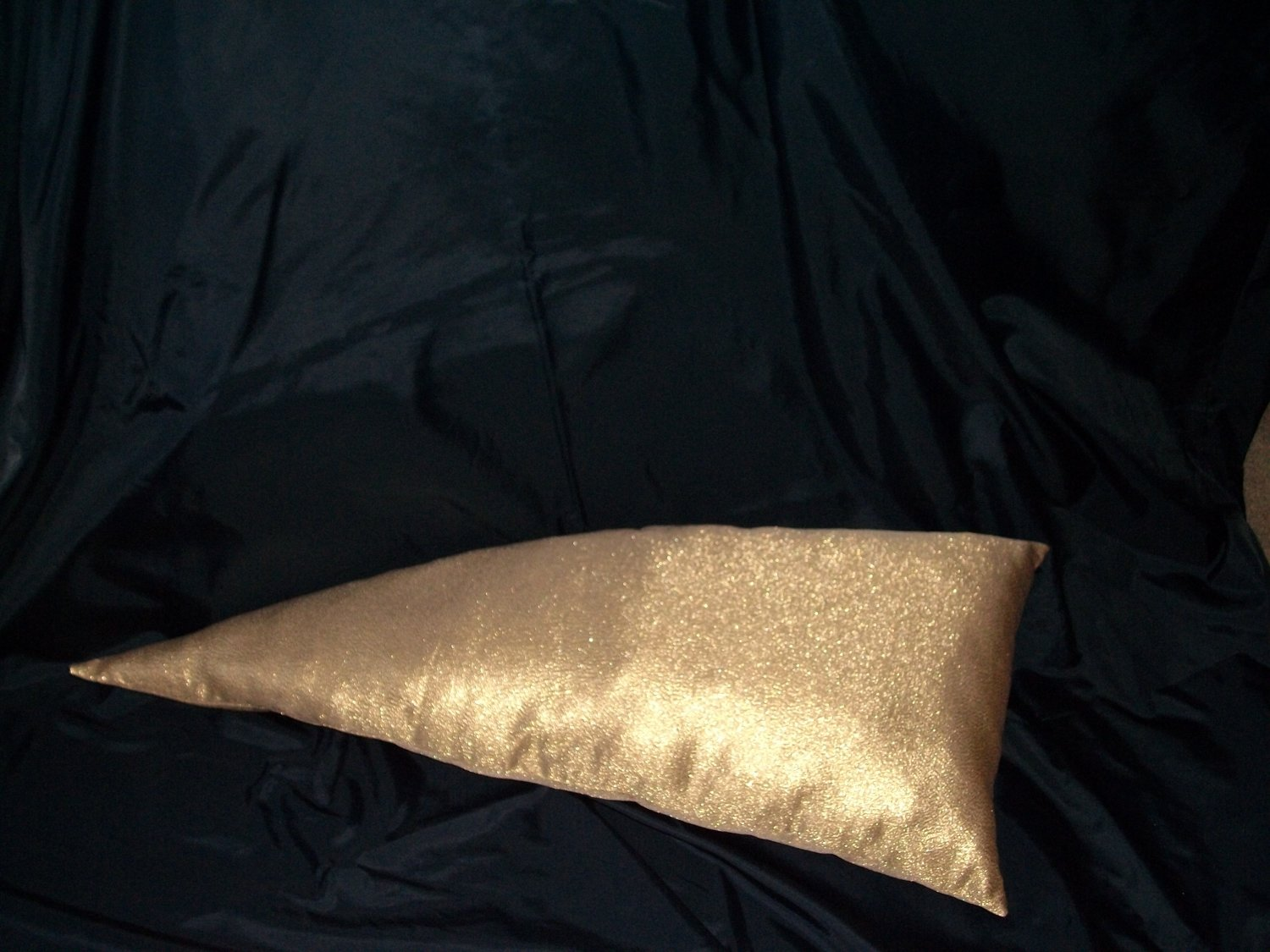 HANDCRAFTED ACCENT PILLOW