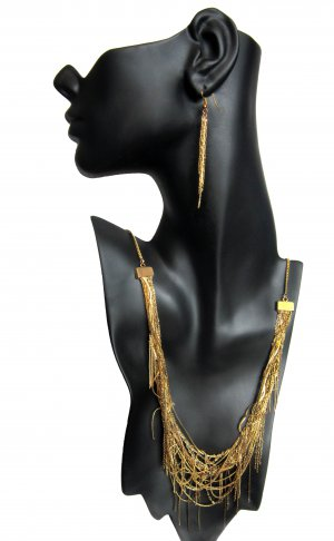 Gold Mine: Seamless Multi-chain Vintage-inspired Necklace Earrings Set