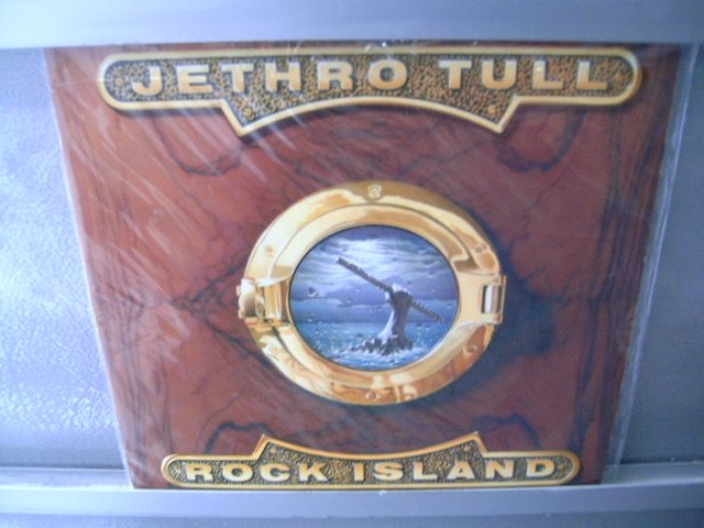 JETHRO TULL Rock Island LP SEMI NOVO MUITO RARO