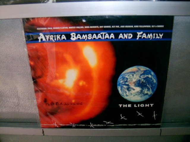 AFRIKA BAMBAATAA AND FAMILY the light LP 1988 SEMI NOVO SOUL MUSIC MUITO RARO