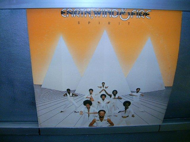 EARTH,WIND & FIRE spirit LP 1976 BLACK MUSIC MUITO RARO VINIL