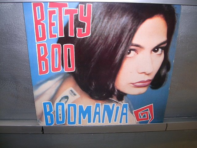 BETTY BOO boomania LP 1990 POP SEMI-NOVO MUITO RARO VINIL