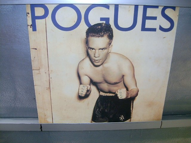 POGUES peace & love LP 1989 NEW WAVE SEMI-NOVO MUITO RARO VINIL