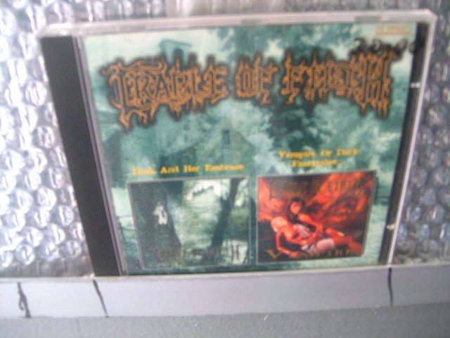 CRADLE OF FILTH dusk and her embrace  vempire CD 1996 BLACK METAL
