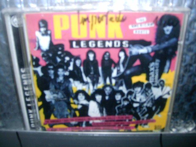 PUNK LEGENDS the american roots CD 19? PUNK ROCK