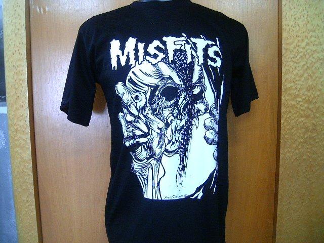 MISFITS  T SHIRT  BLACK   L