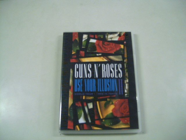 GUNS N' ROSES use your illusion 2 world tour 1992 in tokyo DVD 1992 HARD ROCK