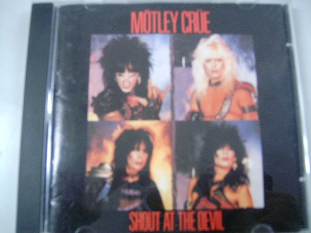 M�TLEY CR�E shout at the devil CD 1983 HARD HEAVY METAL