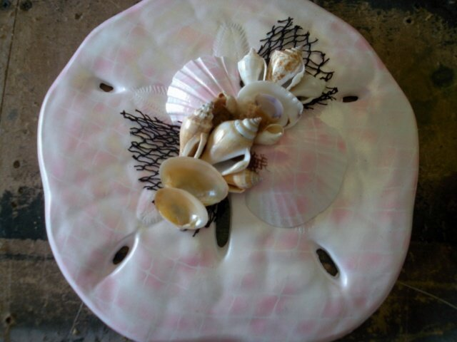Sand DOllar Wall Plaque Light Pink/White Pearl