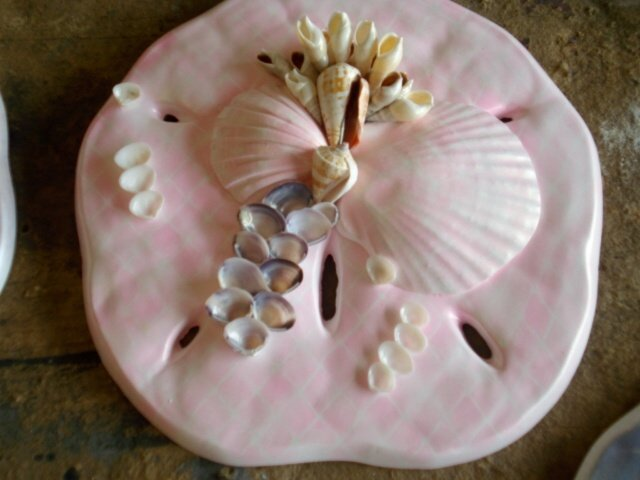 Sand Dollar Plaque Light Pink w/ Pearl Finish