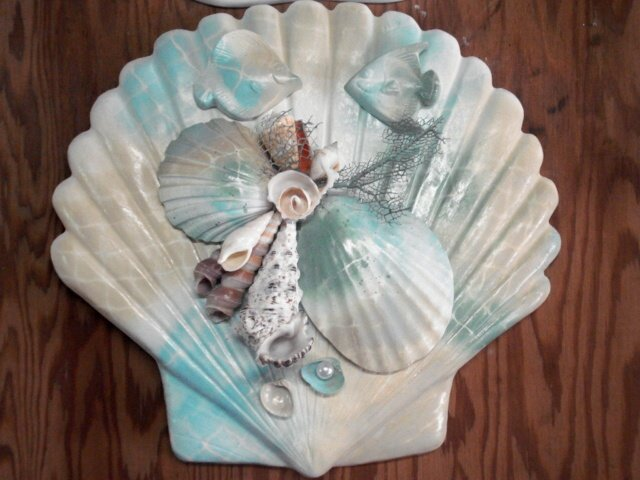 Shell Plaque Tan/Blue