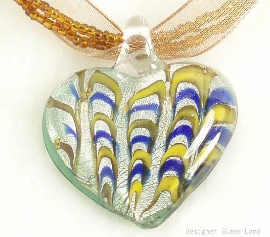 P203 MURANO GLASS HEART PENDANT NECKLACE