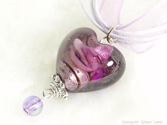P314 MURANO GLASS PURPLE HEART PENDANT NECKLACE