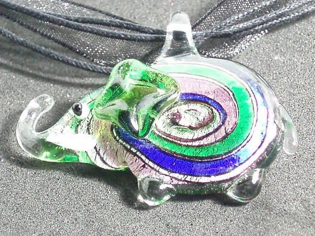 P336 MURANO LAMPWORK GLASS ELEPHANT PENDANT NECKLACE