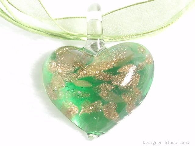 P379 MURANO LAMPWORK GLASS GREEN HEART PENDANT NECKLACE