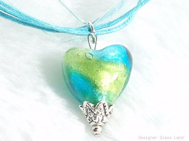 P428 LAMPWORK GLASS BI COLORS HEART PENDANT NECKLACE