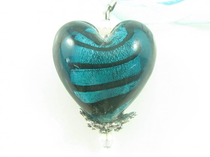 P1007 LAMPWORK GLASS STRIP HEART PENDANT NECKLACE