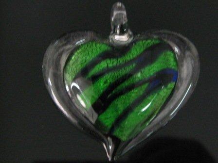 P1017 LAMPWORK GLASS SILVER FOIL GREEN HEART PENDANT