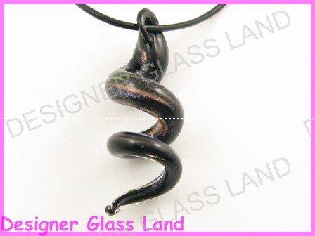 P746F LAMPWORK GLASS BLACK TWISTER PENDANT NECKLACE
