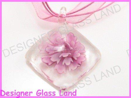 P864F LAMPWORK GLASS 3D PINK DIAMOND SHAPED PENDANT
