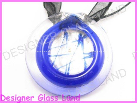 P885F LAMPWORK GLASS NAVY ROUND PENDANT NECKLACE