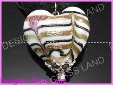 P887FLAMPWORK GLASS MILKY HEART SILVER PENDANT NECKLACE
