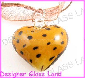 P932 LAMPWORK GLASS BN LEOPARD HEART PENDANT NECKLACE